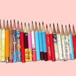 短くなった鉛筆を箱に片付けるのをやめて、100均の木粉ねんどでミニ鉛筆立てを作ってみた。