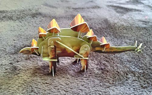 ダイソー動く3dパズル ステゴサウルスの写真