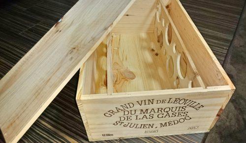 ニスを塗る前のワイン木箱