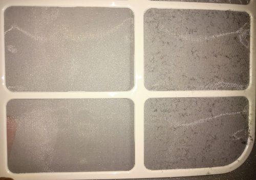 除湿機フィルター掃除前と後の比較写真