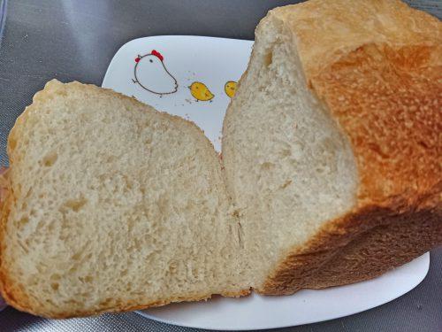 MK精工のホームベーカリーふっくらパン屋さんで焼いた食パン2